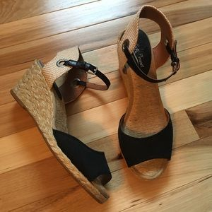 Shoes - Lucky Brand Wedge Sandals